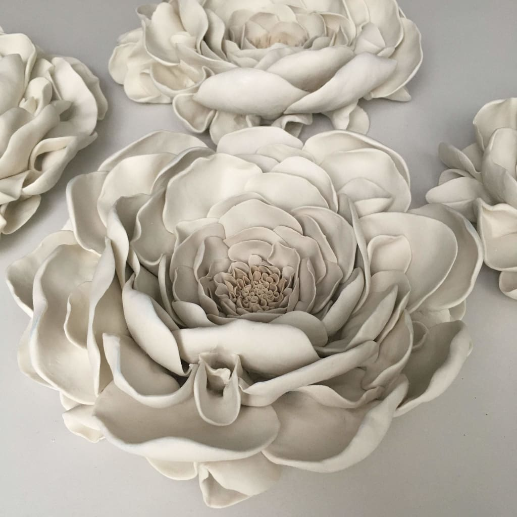 Set of 3 Gardenia Porcelain Wall Flower Beige and White, Wall Hanging Ceramic Wall Art - Maapstudio