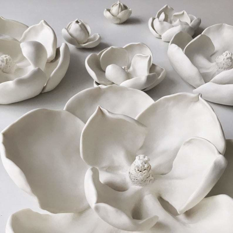 White Magnolia ceramic Wall Art set of 7, Ceramic Flowers  Artworks - Maapstudio