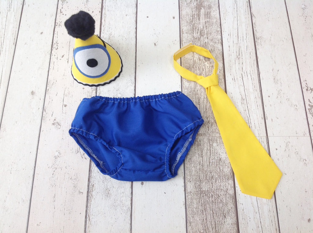 Minion Boys Cake Smash Outfit - Bunting - Photography Prop - First Birthday
