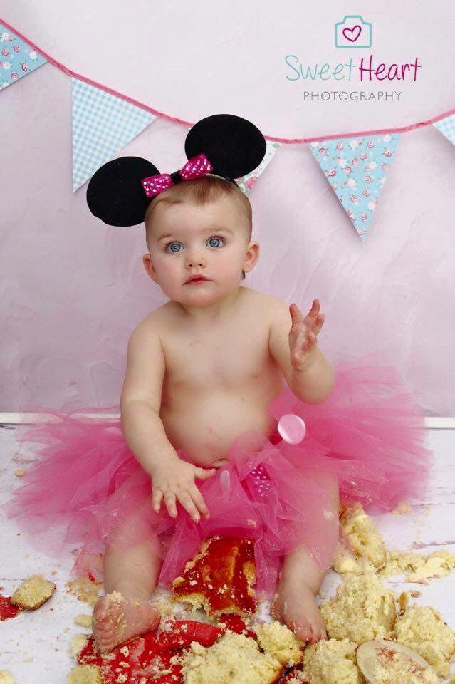 Red or pink Minnie Mouse tutu cake smash