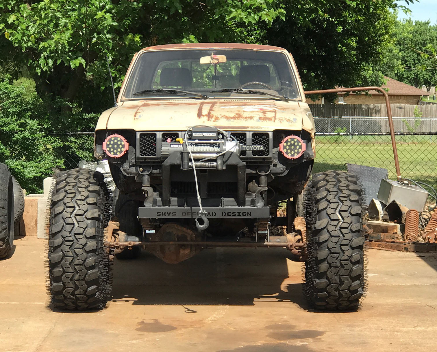 Toyota Full Width Solid Axle Swap – Sky Manufacturing