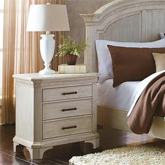 Riverside Aberdeen 3-Drawer Nightstand