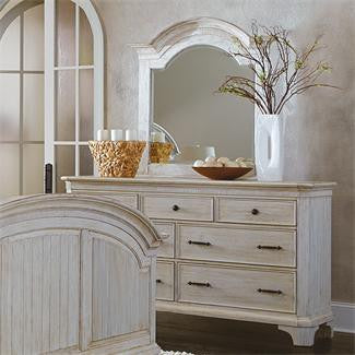 Riverside Aberdeen 7-Drawer Dresser