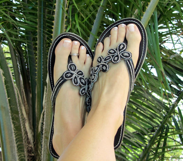 Women's Leather Daisy Beaded Handcrafted Sandals Black 9WE2IYDH