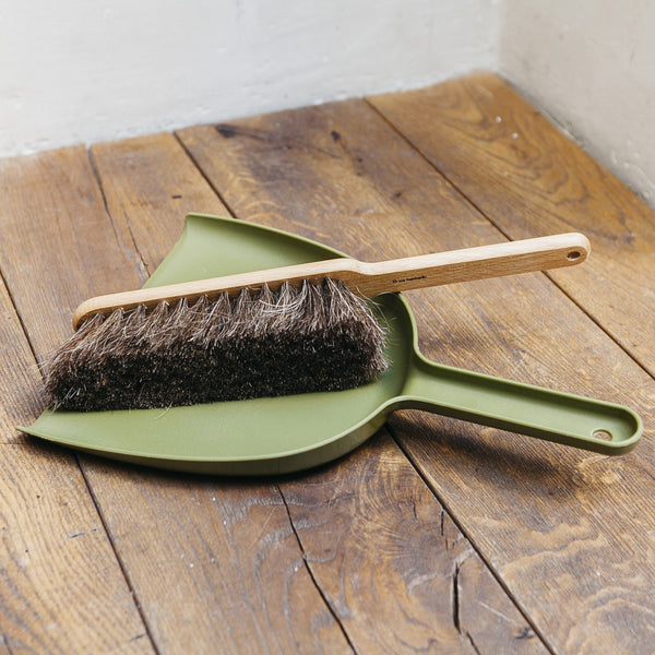 Iris Hantverk Dustpan & Brush Set Green