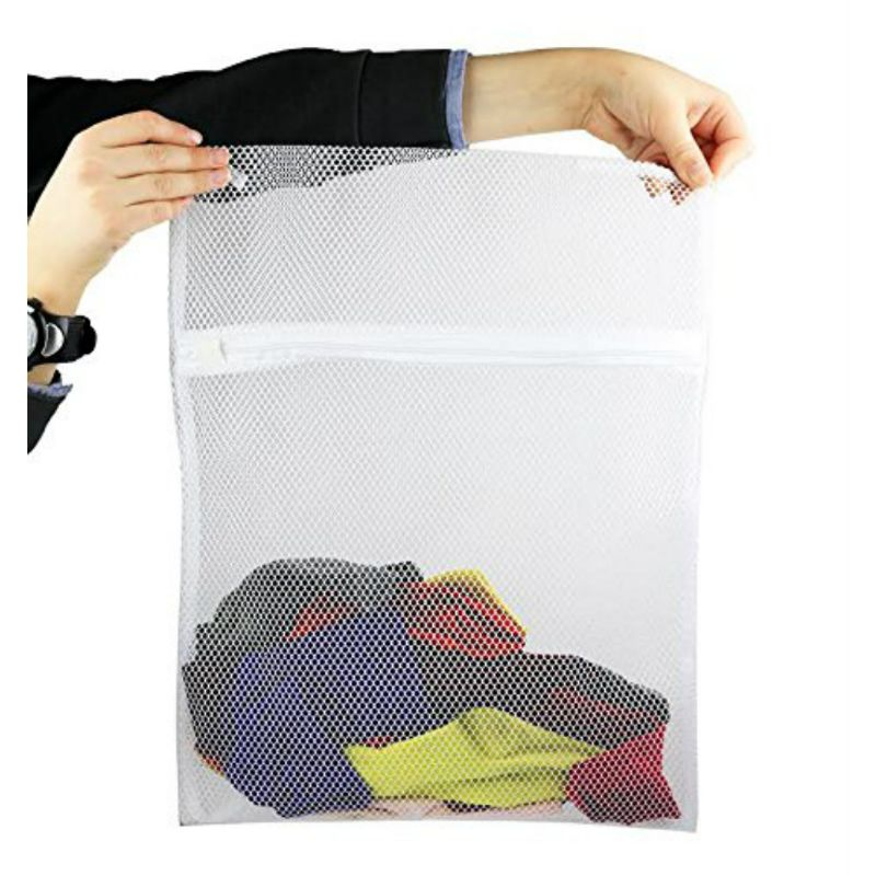 4-Pack Mesh Laundry Wash Mesh Socks Bag with Zipper Closure