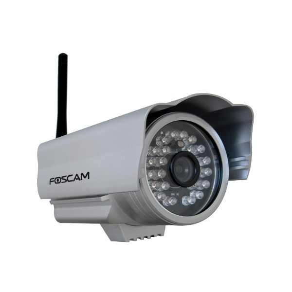 Foscam Outdoor Wireless/Wired IP Camera with 15-20 Meter Night Vision and 2.8mm Lens (50° Viewing Angle)-Daily Steals