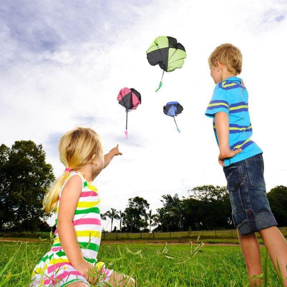 Parachute Toy, Tangle Free Outdoor Throwing Toy - 10 pack-