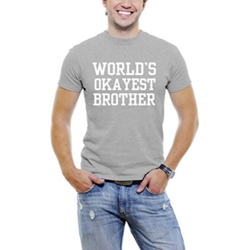 """World's Okayest Brother"" T-shirt Funny Serif Font pour hommes-Gris clair-3XL-Daily Steals"