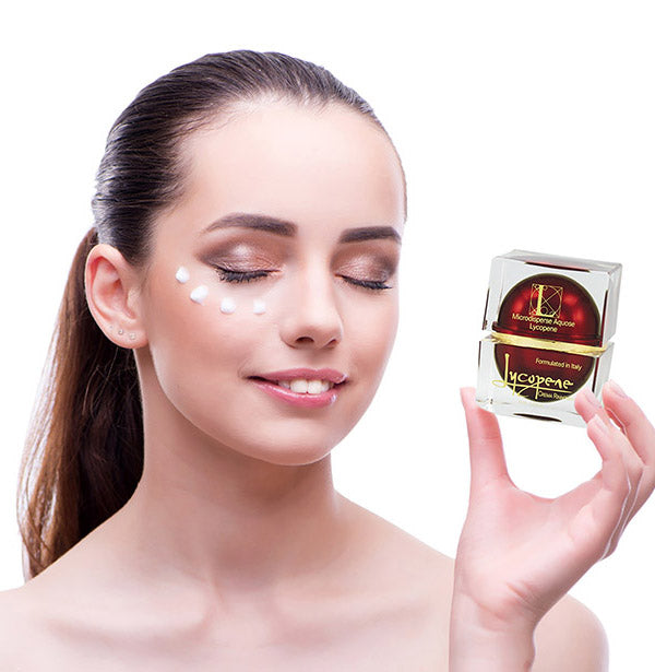 Luxury face cream with lycopene