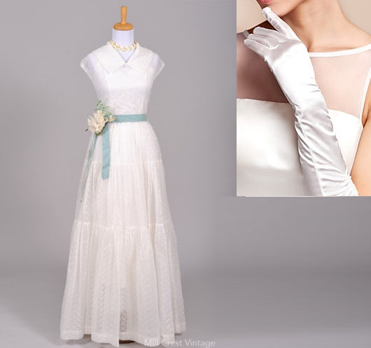 Vintage Wedding Dress with wedding gloves
