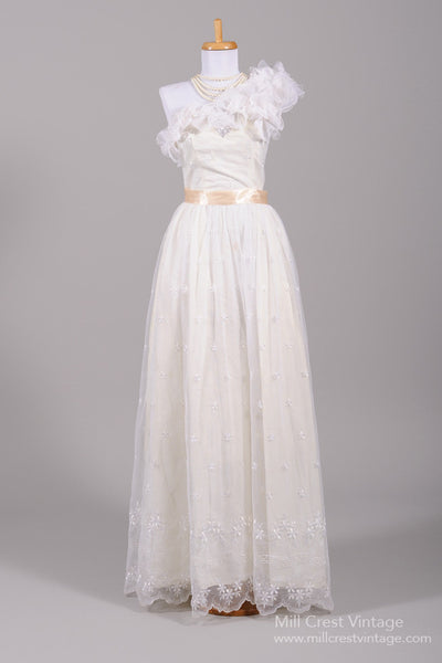 1970 Scalloped Vintage Wedding Gown-Mill Crest Vintage