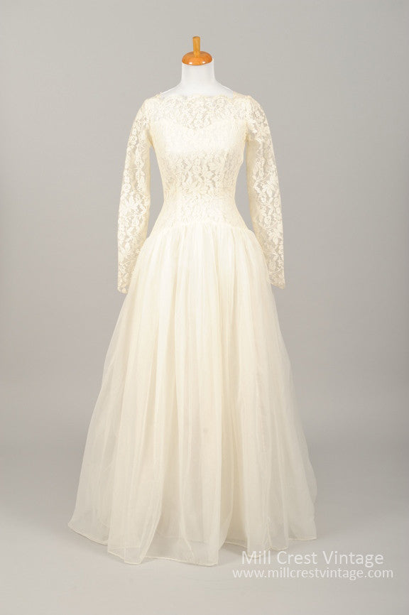 1960 Creamy Lace Vintage Wedding Gown - Mill Crest Vintage