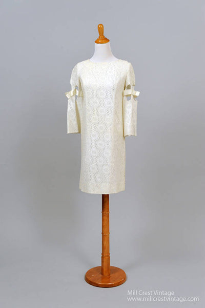 1960 Split Bell Vintage Wedding Dress-Mill Crest Vintage