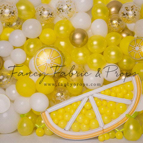 Make Lemonade Balloon Wall