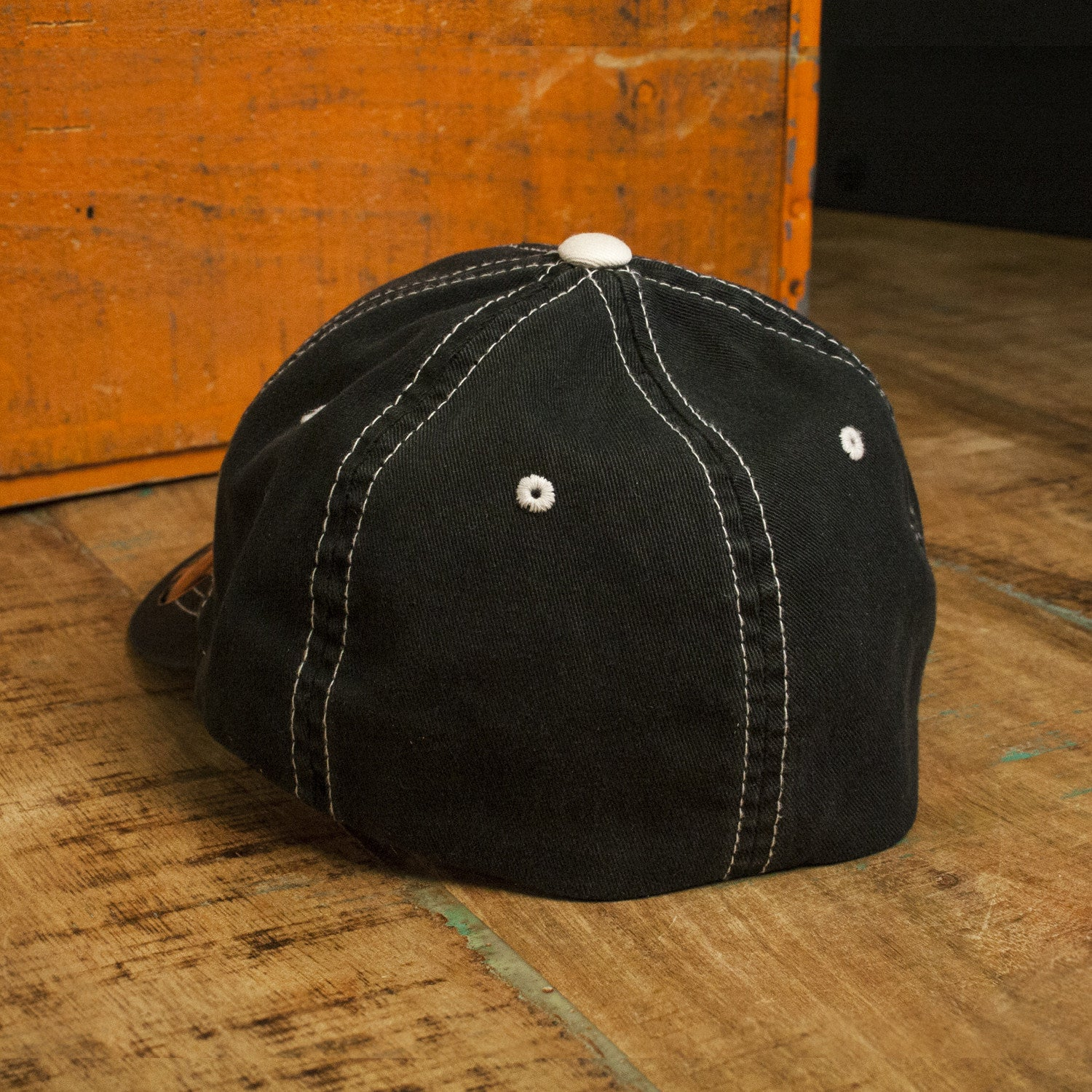 TH Flexfit Contrast Stitch Hat