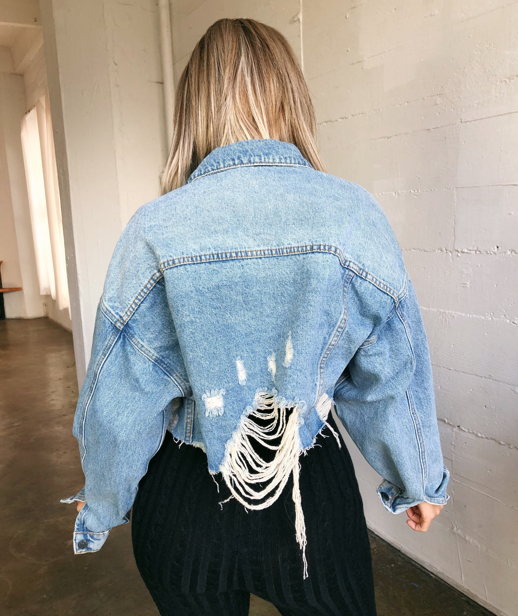 Karen Cropped Denim Jacket(Medium Denim)