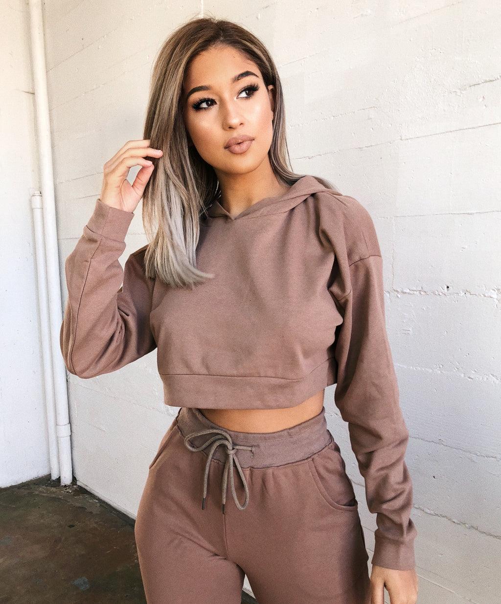 Noly Cropped Hoodie(Mocha)
