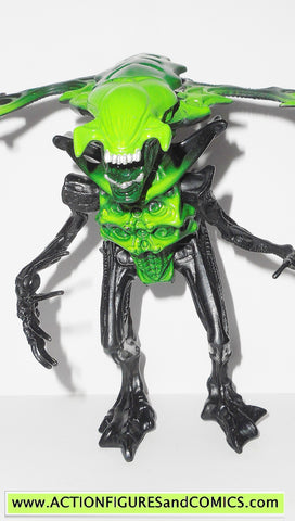 Aliens vs Predator kenner KING ALIEN green movie 1996 action figures