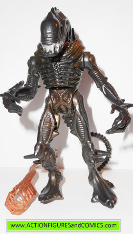 Aliens Scorpion Alien with Face Hugger  by Kenner 1992
