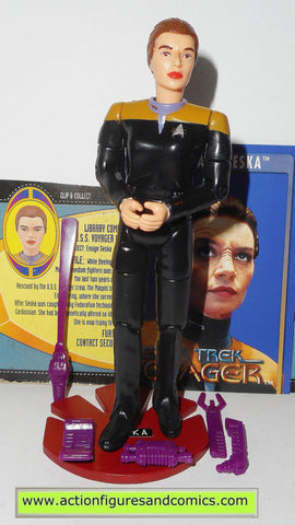 Star Trek SESKA ENSIGN voyager 1995 playmates toys action figures