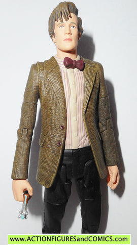 doctor who action figures ELEVENTH DOCTOR 11th red stripes dr underground toys