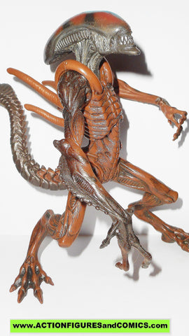 alien resurrection WARRIOR ALIEN complete signature series hasbro action figures