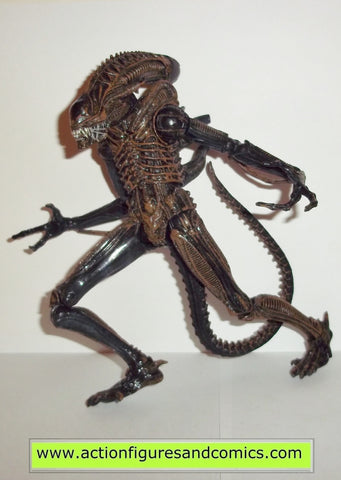 Aliens XENOMORPH WARRIOR ALIEN brown 8 inch action figures neca toys