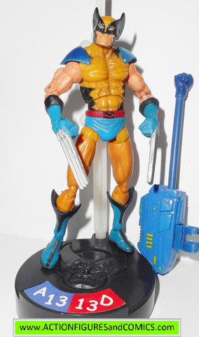 marvel universe WOLVERINE legends showdown toy biz