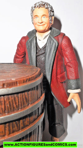 Lord of the Rings BILBO BAGGINS CELEBRATION 111th birthday RED jacket toy biz