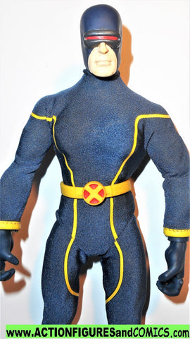 marvel legends CYCLOPS 2006 signature series mego style famous covers