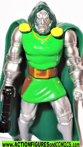 Marvel die cast DR DOOM die cast poseable metals 1995 toybiz universe