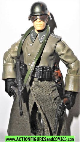 Indiana Jones GERMAN SOLDIER motorcycle driver 2008 complete kenner hasbro