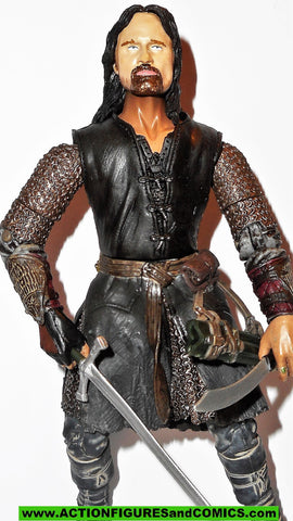 Lord of the Rings ARAGORN HELMS DEEP VARIANT toy biz complete hobbit