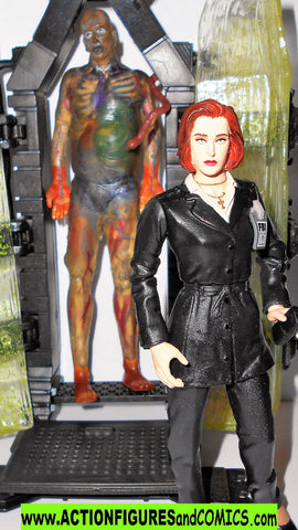 X-FILES action figures SCULLY suit ALIEN HYBRID cryopod