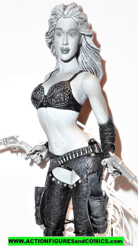 Sin City NANCY CALLAHAN Jessica Alba B&W blown hair Frank Miller cowgirl Neca