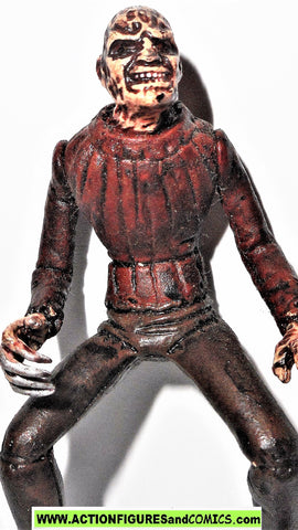 Movie Maniacs FREDDY KRUEGER 2.5 inch nightmare elm street 1998 mcfarlane