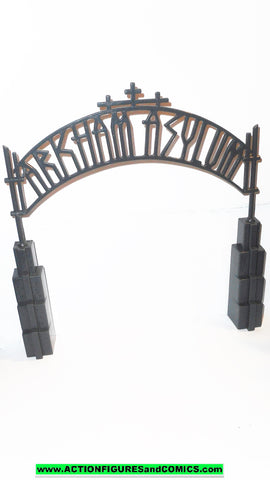 batman animated series ARKHAM ASYLUM front gate 2001 kenner hasbro