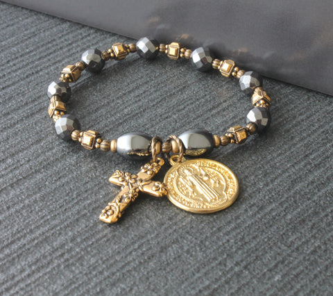 Saint Benedict Anglican rosary bracelet, Stretch roll on bracelet