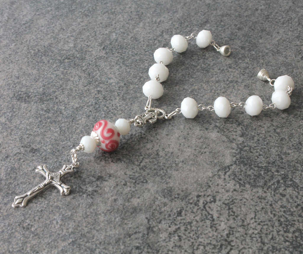 Car rosary magnetic clasp, white and pink