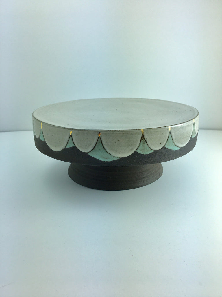 "Cake Stand w 14kt gold accents, 8"" for 6"" cake"