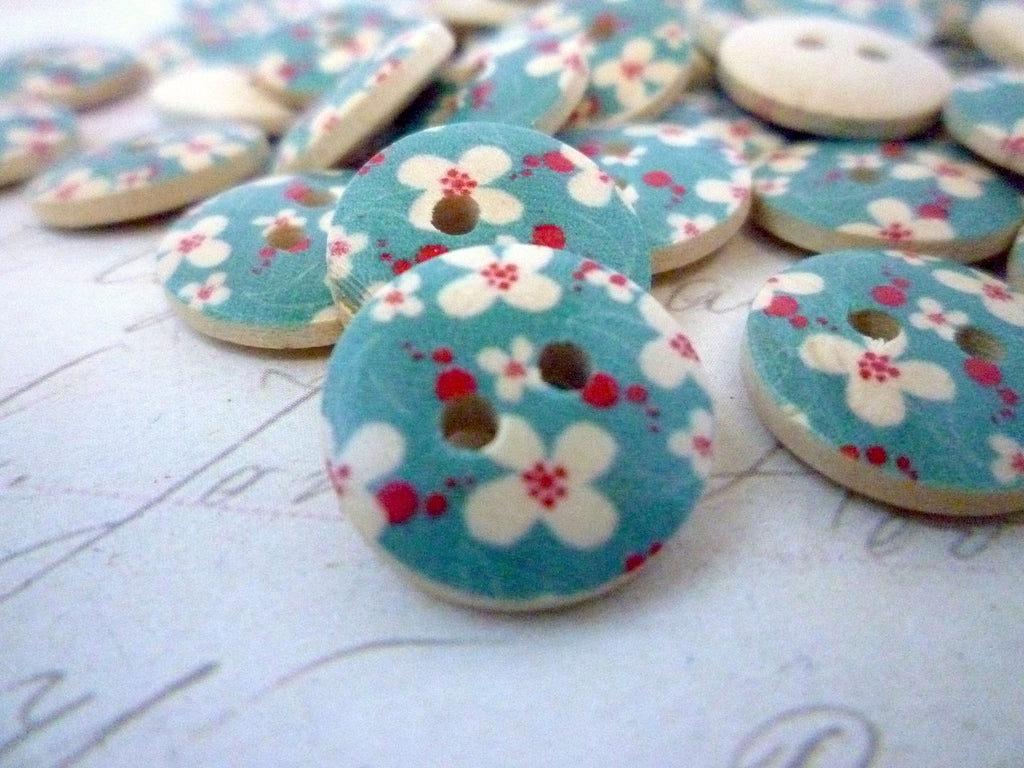 Blue flower button 15mm