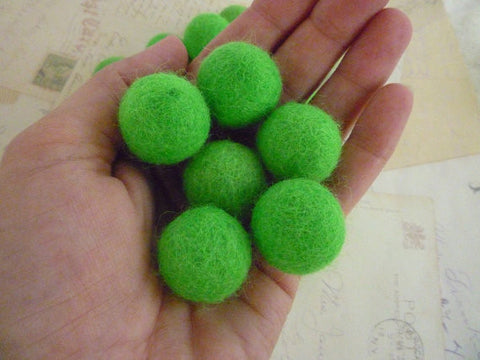 Bright Green - Felt Balls - 2cm