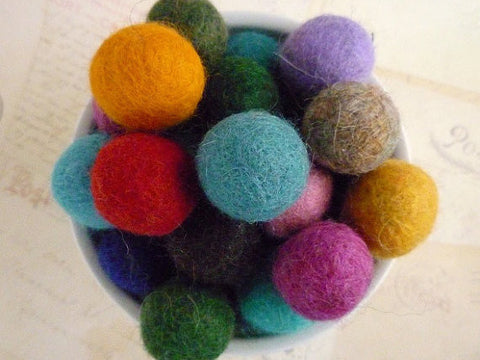 Felt Balls x 100 - Mixed Colours - 2cm