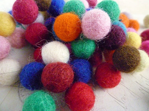 Felt Balls x 100 Mixed Colours - 1cm