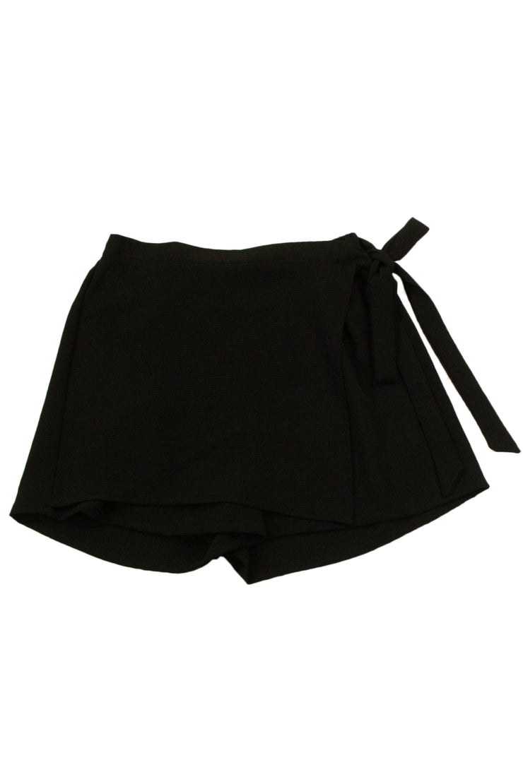 Captivating Shorts in Black