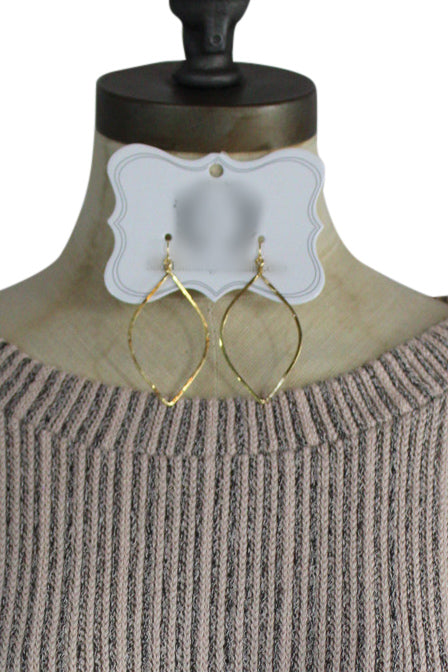 Light as a Feather Earrings in Gold