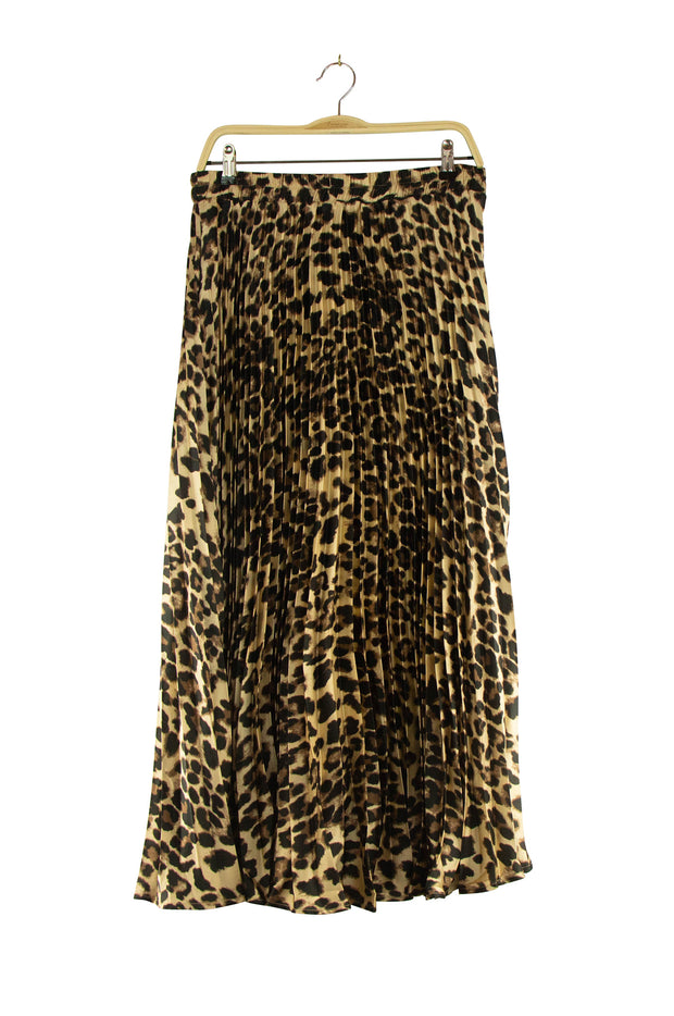 Pleating With You Skirt in Leopard Print