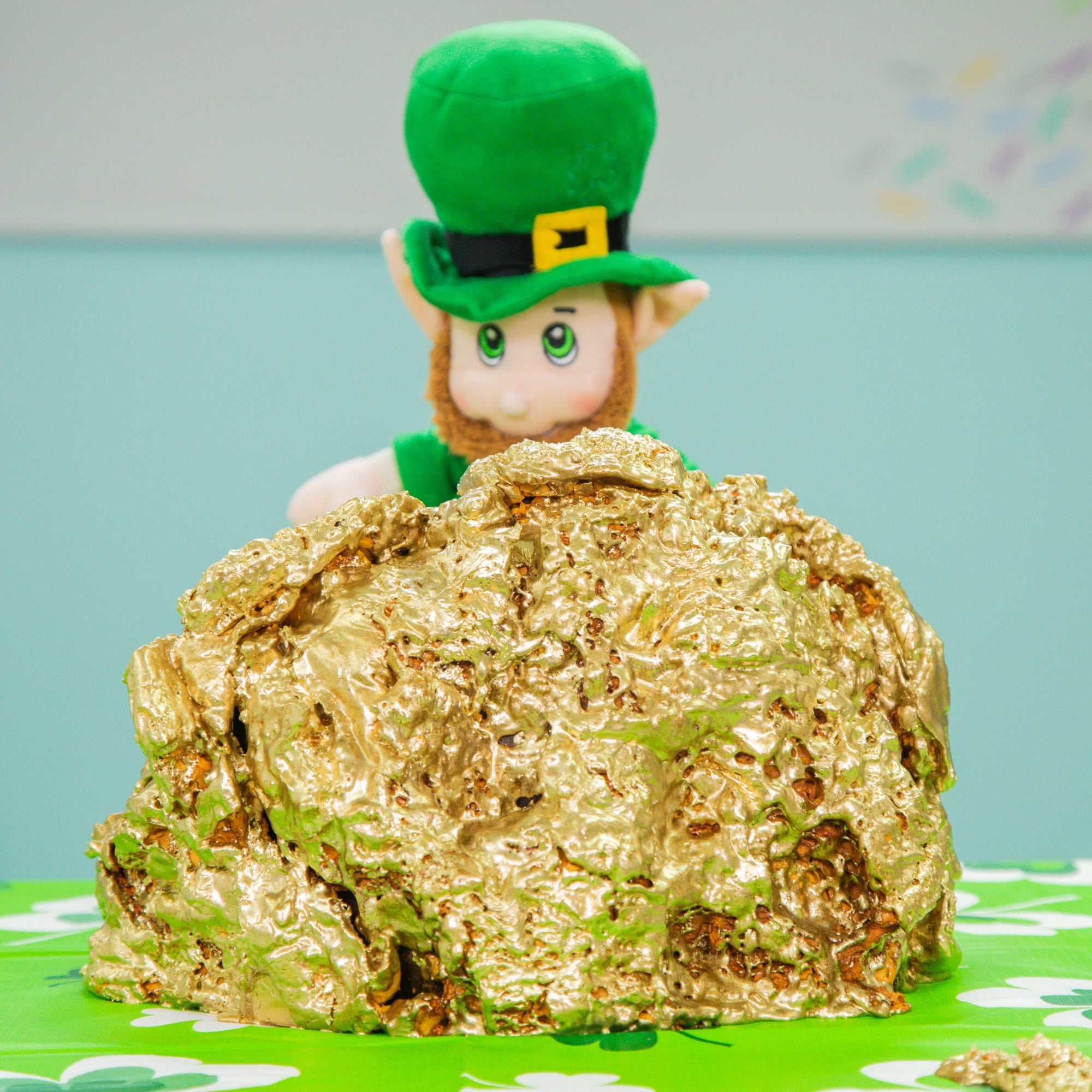Gold St Patricks Day Mega Cake