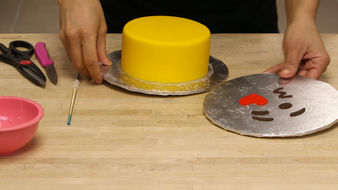 How To Cake It Yolanda Gampp Emoji Cakes